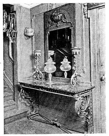Photo of a narrow entrance hall
