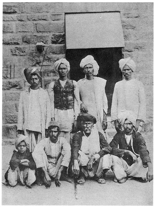 Group of Pardhāns