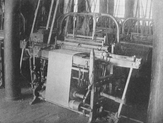 A PLAIN POWER LOOM WEAVING LINEN