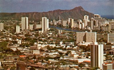 'Honolulu and Diamond Head' from the web at 'http://www.gutenberg.org/files/33355/33355-h/images/illus-005.jpg'