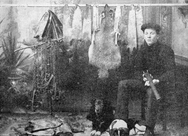 WISCONSIN TRAPPER, FURS AND TRAPS.