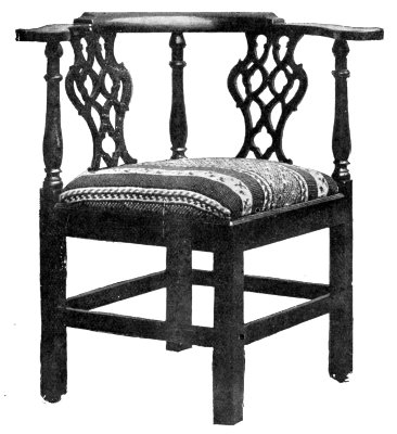 CHIPPENDALE CORNER CHAIR.